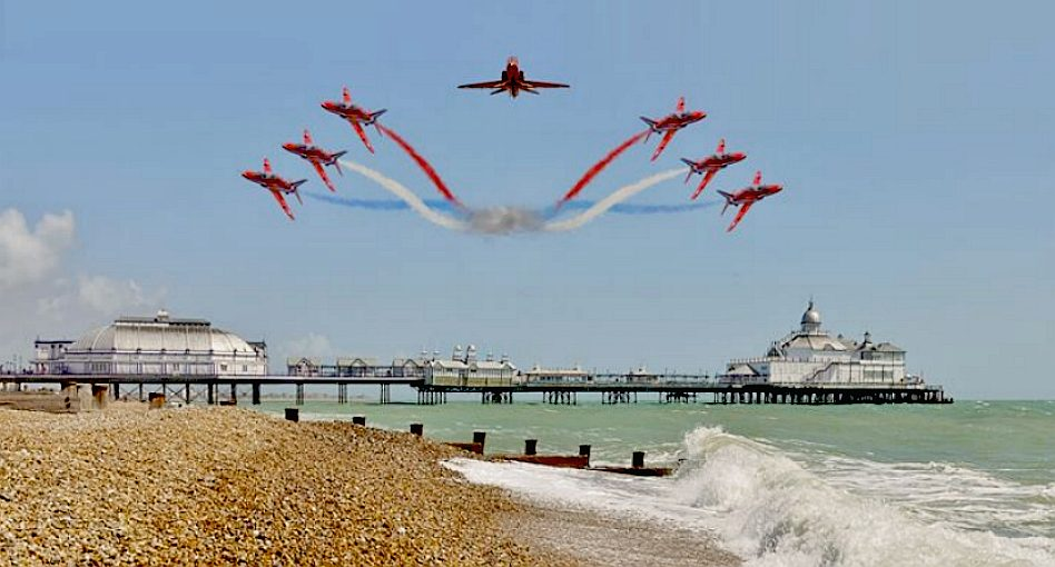 The red arrows royal air force flying display team